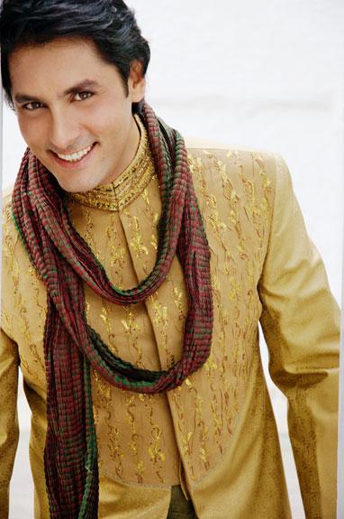 Pakistani wedding dresses for men wedding styles for Wedding dresses for men