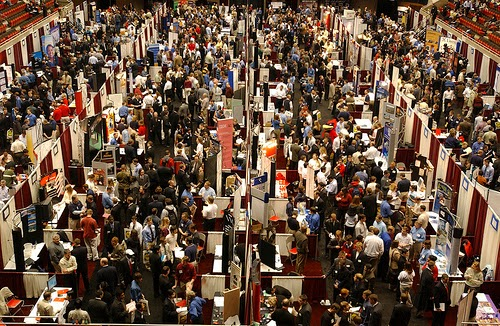 job fair, bursa kerja, perusahaan abal-abal, tips, trik