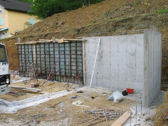 Notre maison ossature bois bioclimatique mur banch suite - Mur beton banche ...