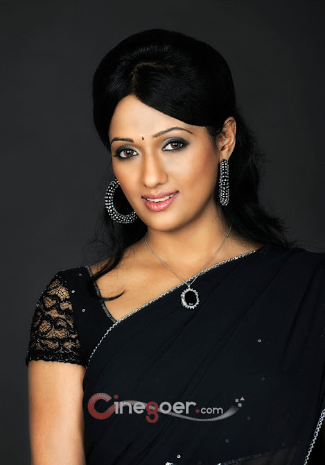 Brinda Parekh Saree Pics - Latest April 2012 - Famous Models Photoshoots - Famous Celebrity Picture