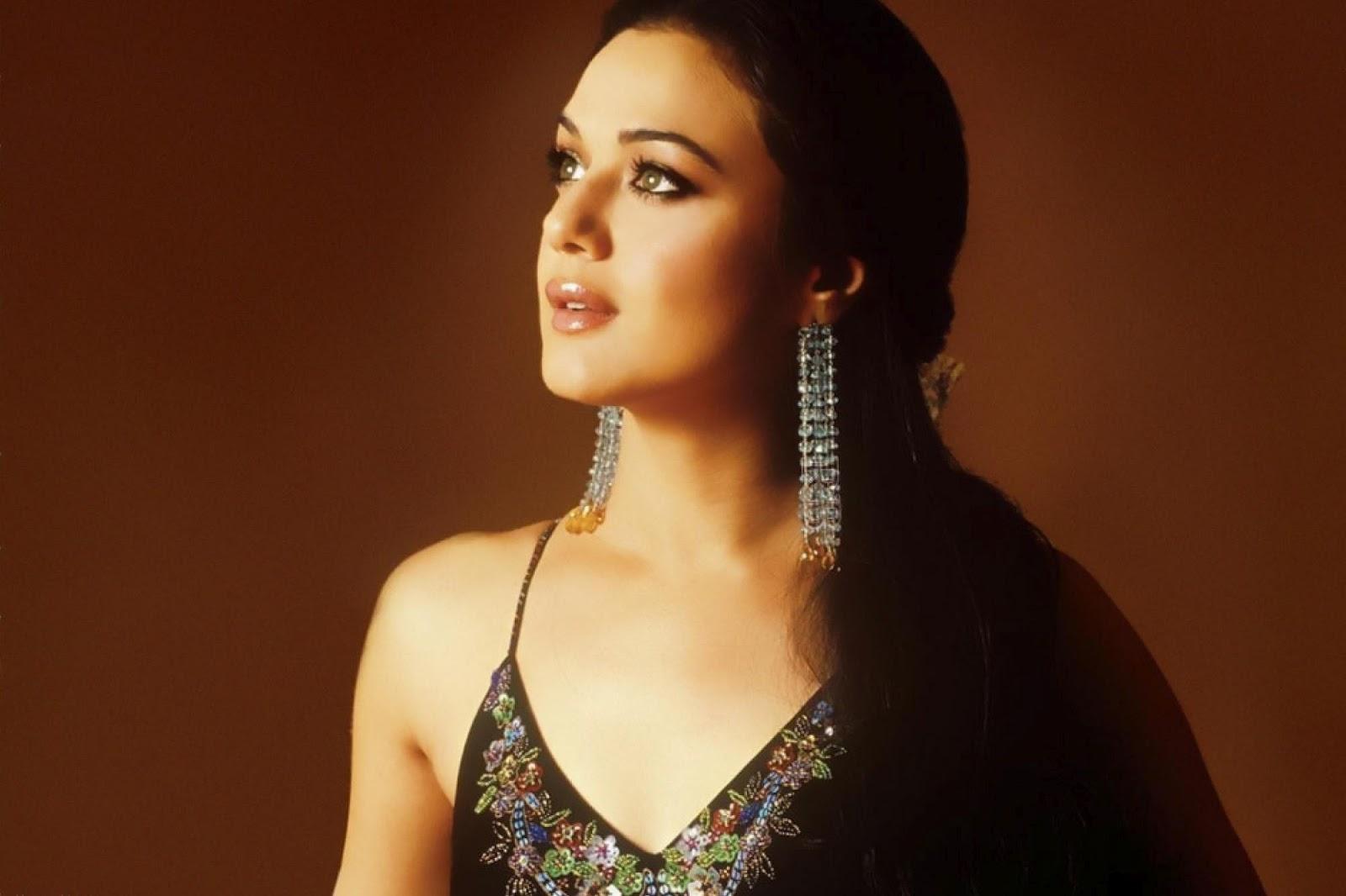 Preity Zinta HD Wallpapers Free Download