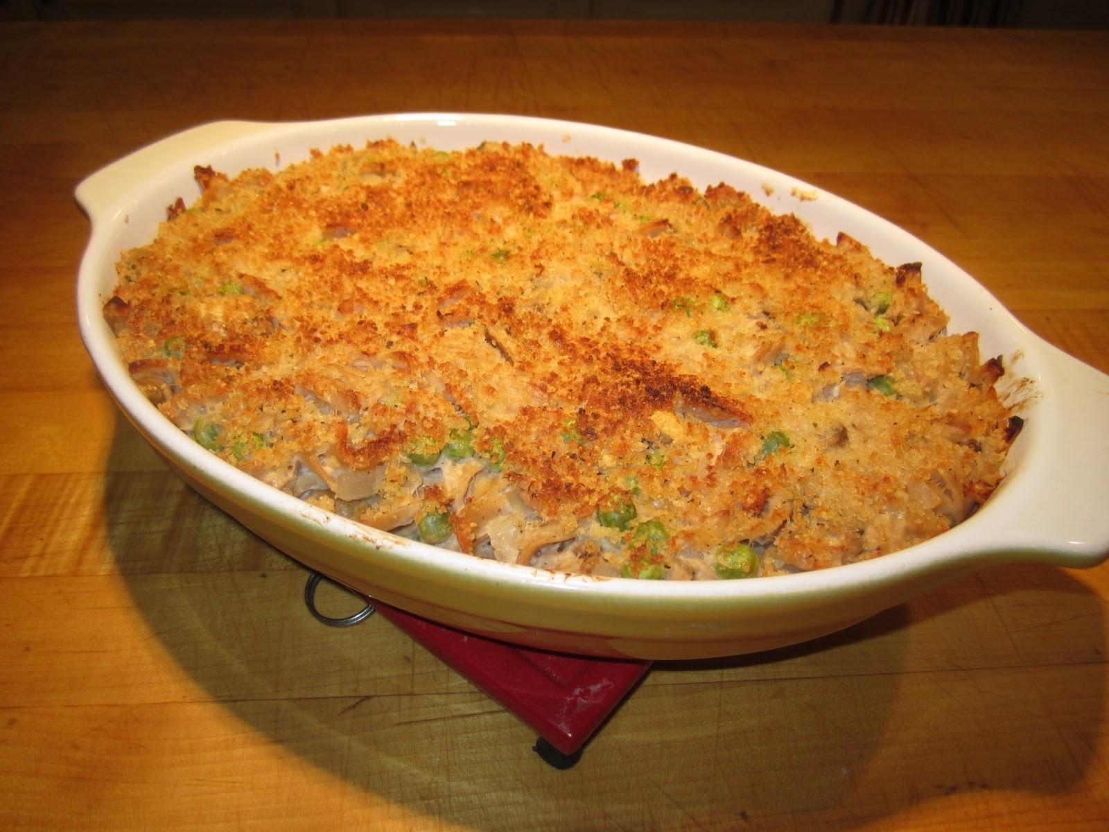 ... Mediterranea de Fideos con atun or Mediterranean Tuna-Noodle Casserole