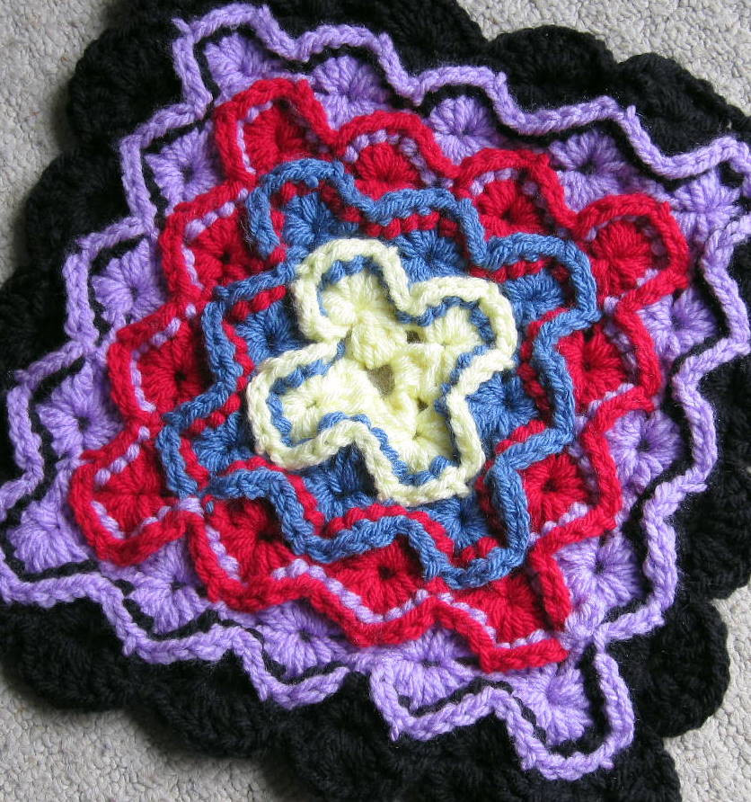 Crochet Therapy: Catherine Wheel Square