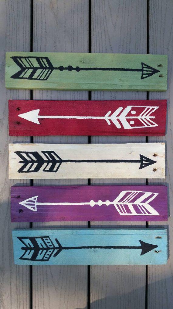 Setas decorativas de madeira reuso