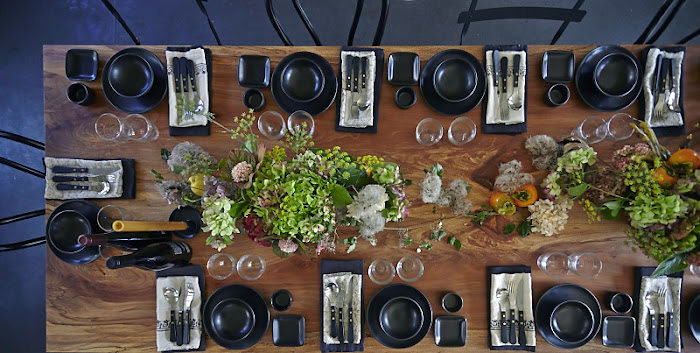 Louesa Roebuck holiday table foraged flora photo by Julia Spiess