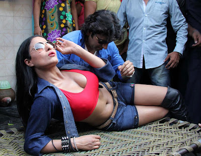 Veena Malik Hot photos at Kamathipura 002 Veena Malik hot Photoshoot at Kamathipura