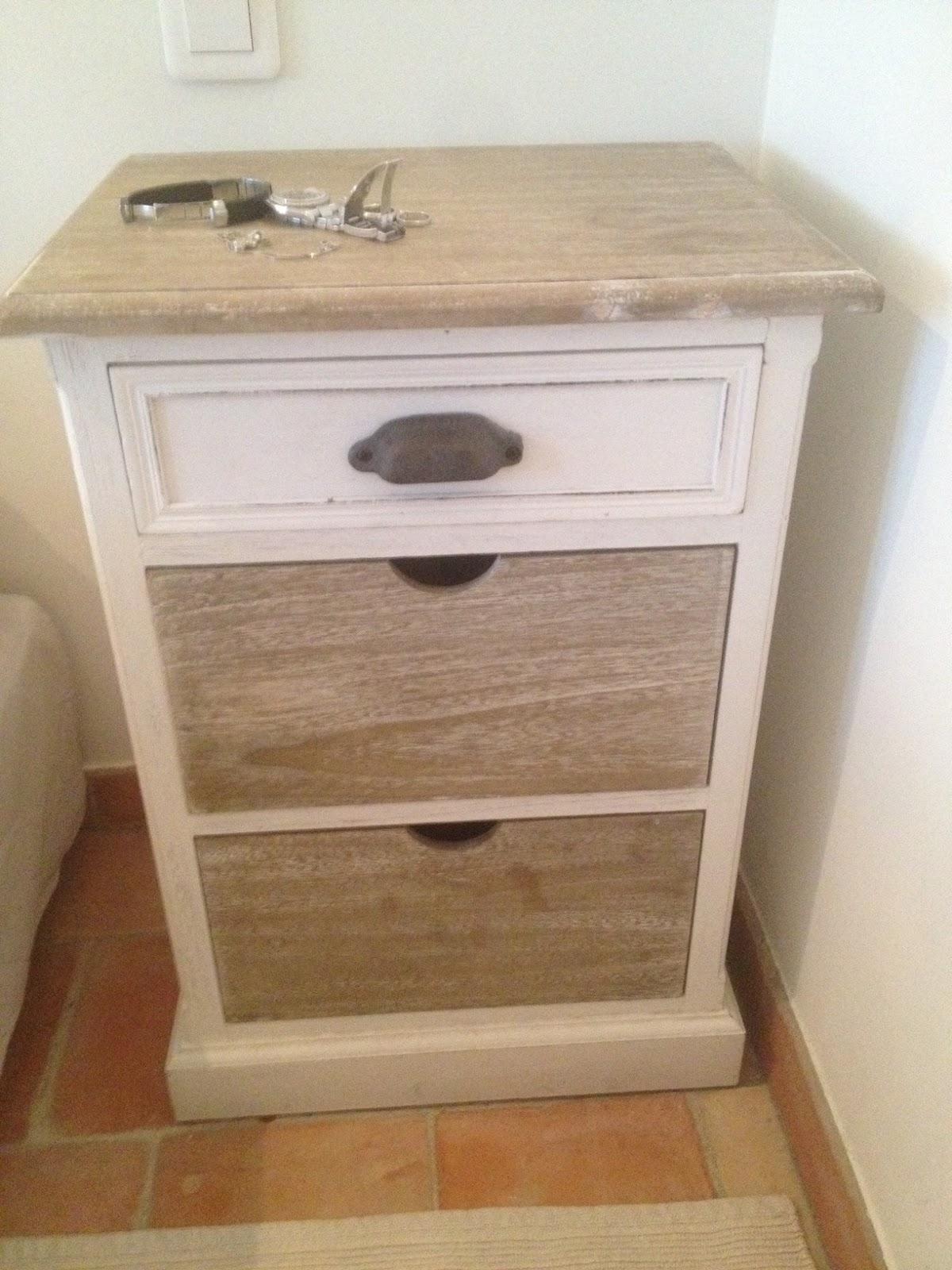 Renovatie van eiken nachtkastje meubelrenovatie - Eigentijdse nachtkastje ...