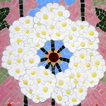 Mosaico floral en la casa Lleó i Morera | Barcelona
