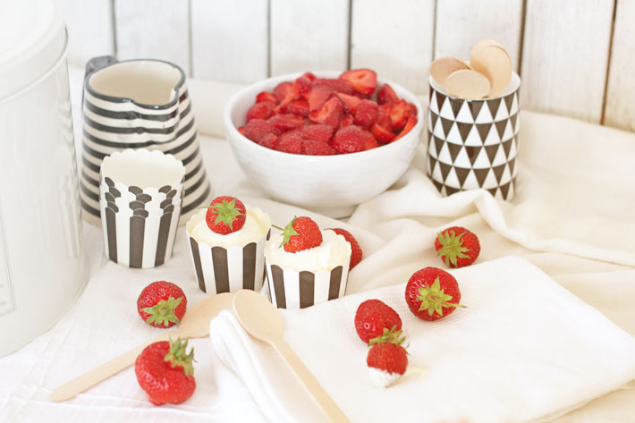 Amalie loves denmark Vanilleeis mit Erdbeeren