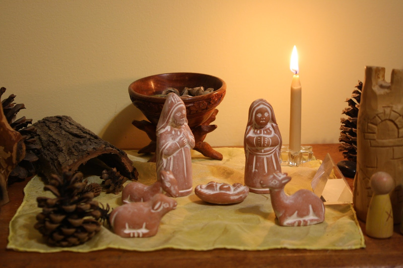 Winter nature table - During The Holidays Our Nature Table Reflected Our Reverence For The Christ Child