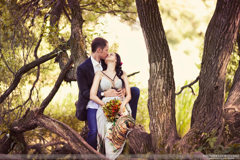 Свадебное фото в лесу