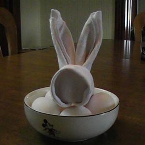 Origami maniacs bunny napkin folding - Fold bunny shaped napkin ...