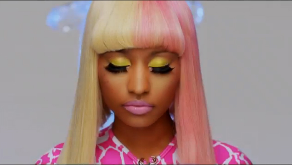 nicki minaj green. nicki minaj green. nicki minaj green eyes. Nicki Minaj quot;Super Bassquot;