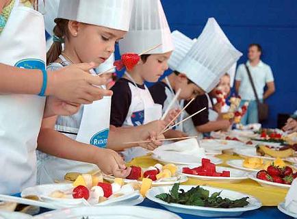 La familia como escuela el valor de cocinar con los ni os for Programa para hacer cocinas