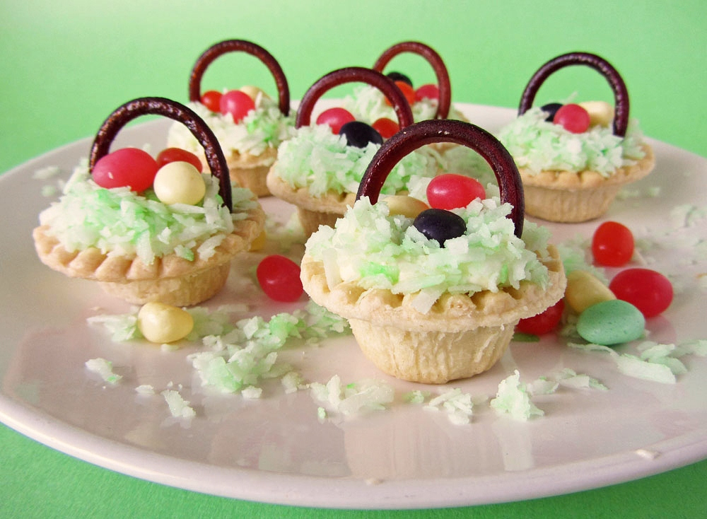 Easter basket lemon mousse tarts