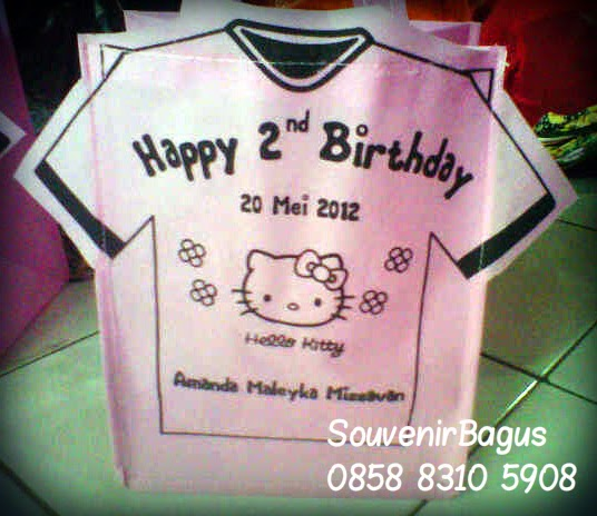 Tas Ulang Tahun Hello Kitty Bentuk Baju