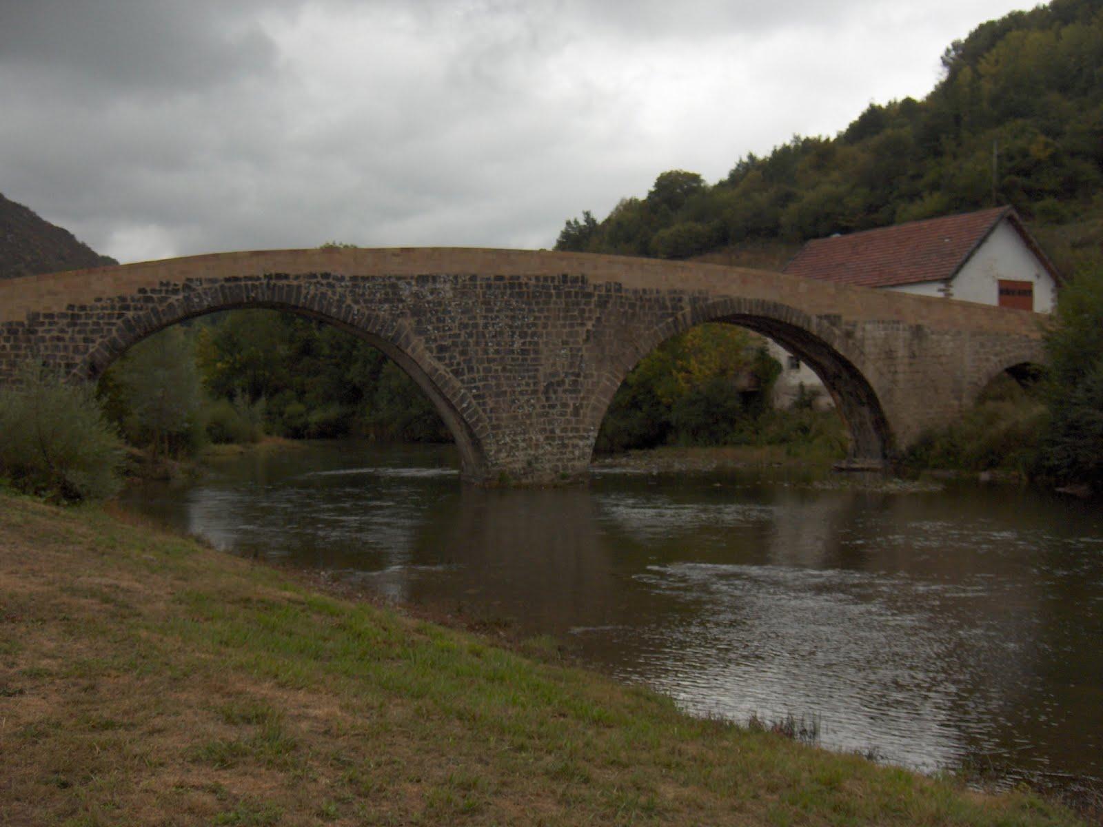 Puente romano de Aribe