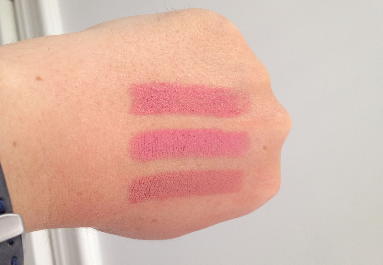MAC Fanfare MAC Please Me and MAC Kinda Sexy swatch comparison