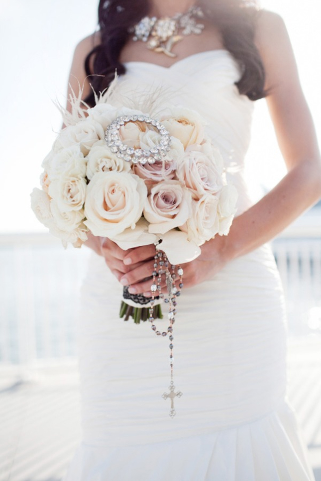 25 Stunning Wedding Bouquets - Part 3 - Belle the Magazine . The