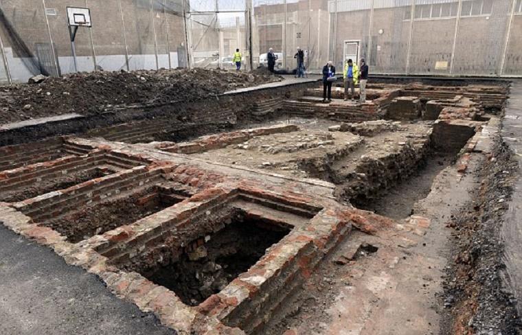 UK: Norman castle remains found under Gloucester prison