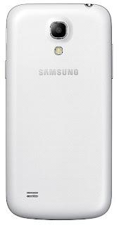 Gambar Samsung Galaxy S4 mini tampak belakang