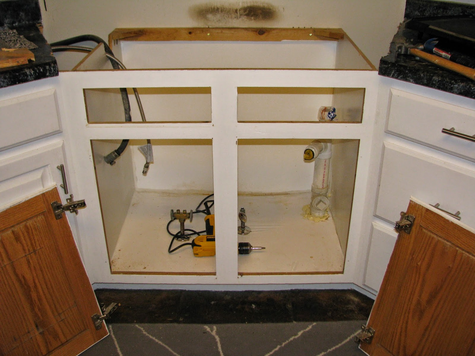 My So Called Diy Blog Resize Your Existing Cabinet And Doors To Fit
