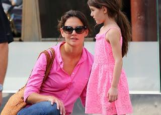 Color Coordinated Katie Holmes & Suri Cruise: Pretty in Pink » Gossip | Katie Holmes