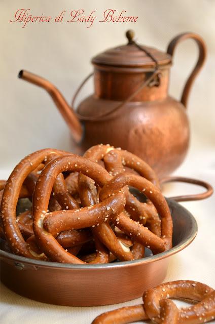 hiperica_lady_boheme_blog_di_cucina_ricette_gustose_facili_veloci_pretzel_o_brezel_salati