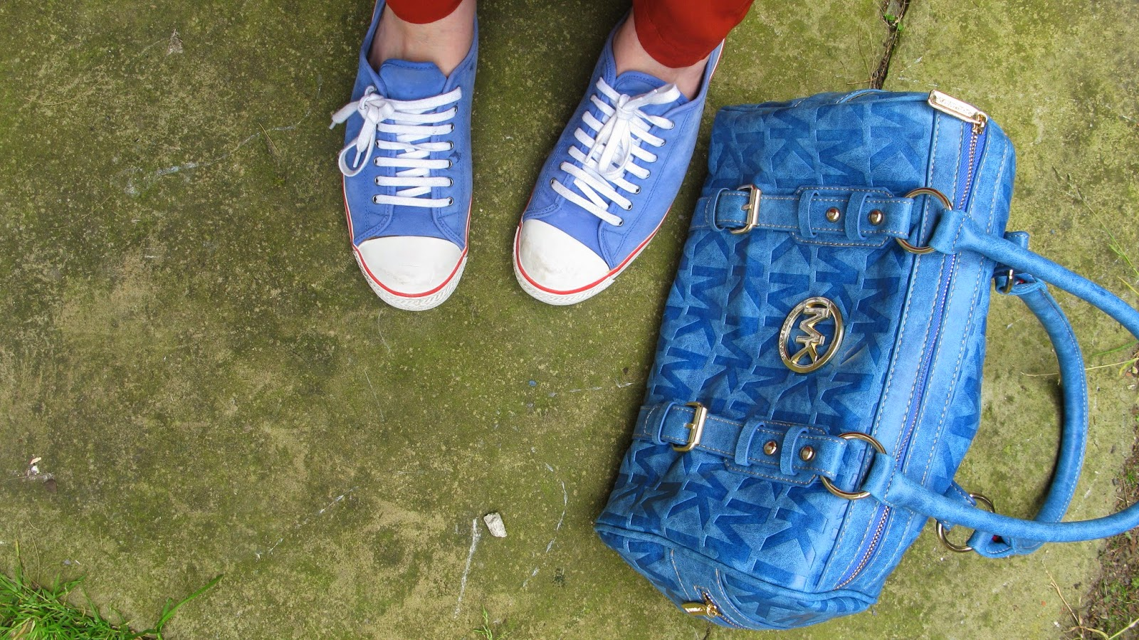 Blue Michael Kors bag, blue kurt geiger trainer pump shoes uk fashion blog