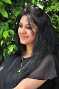 kamna jetmalani new glam pics-thumbnail-7