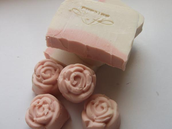 detalle para decorar y regalar jabones artesanales-en forma de rosas