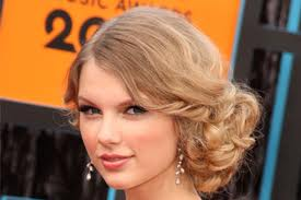 Taylor Swift Hair Style