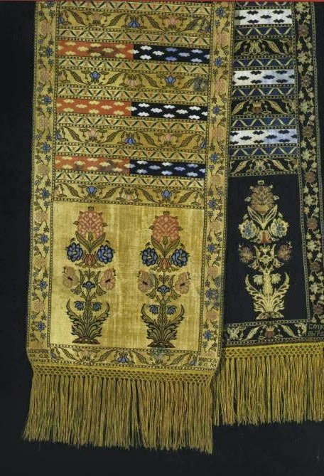 Example of the Karumfil design, Sluck sash, early 19th century