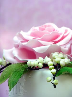 Zuckerrosen und Maiglöckchen Hochzeit