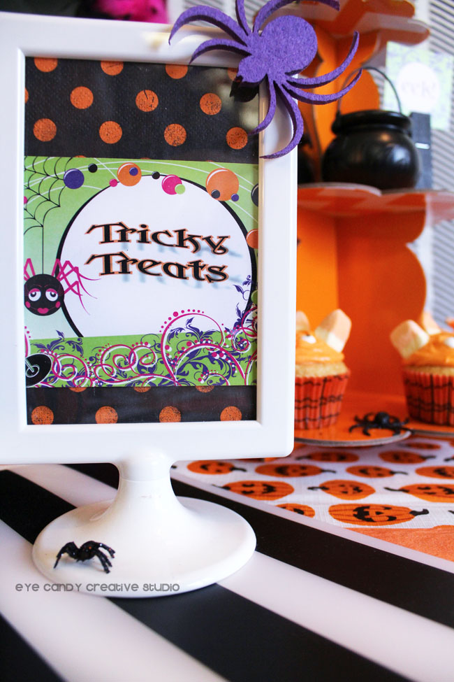 tricky treats sign, halloween party decor, IKEA sign, spider, polka dots