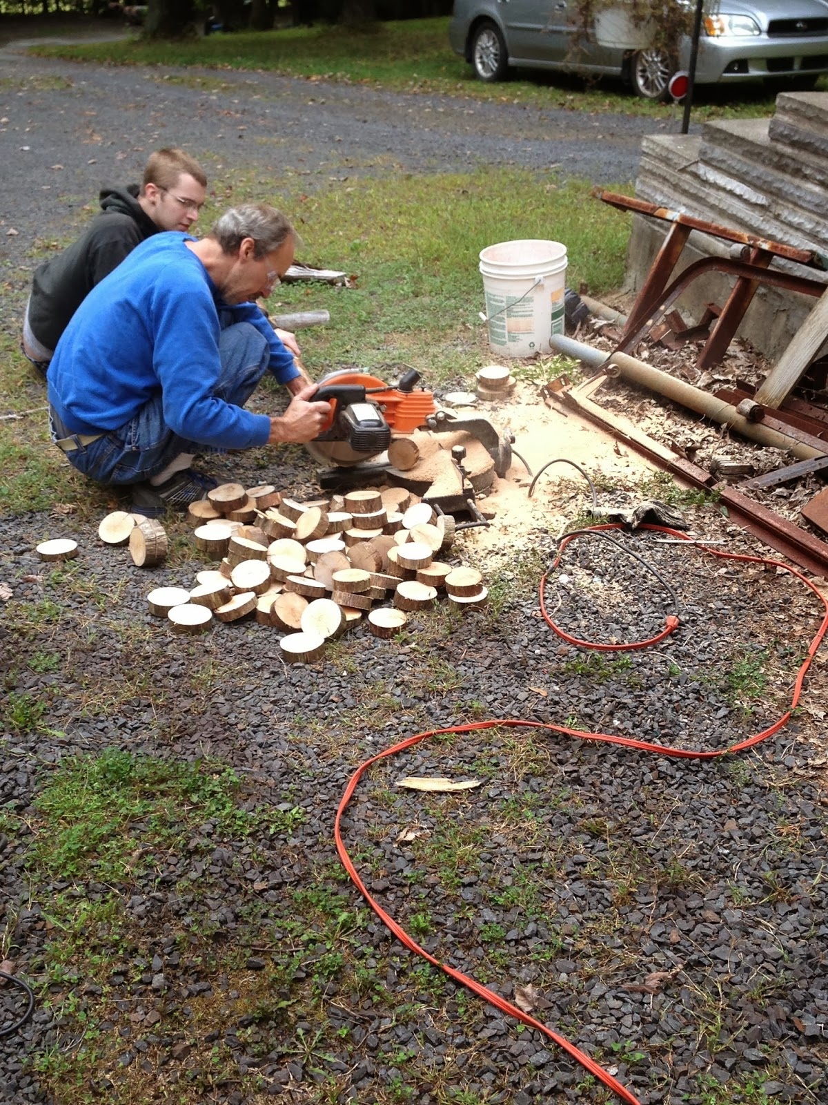 Brittany and justin 39 s diy wedding how to make small wood for How to cut wood slices