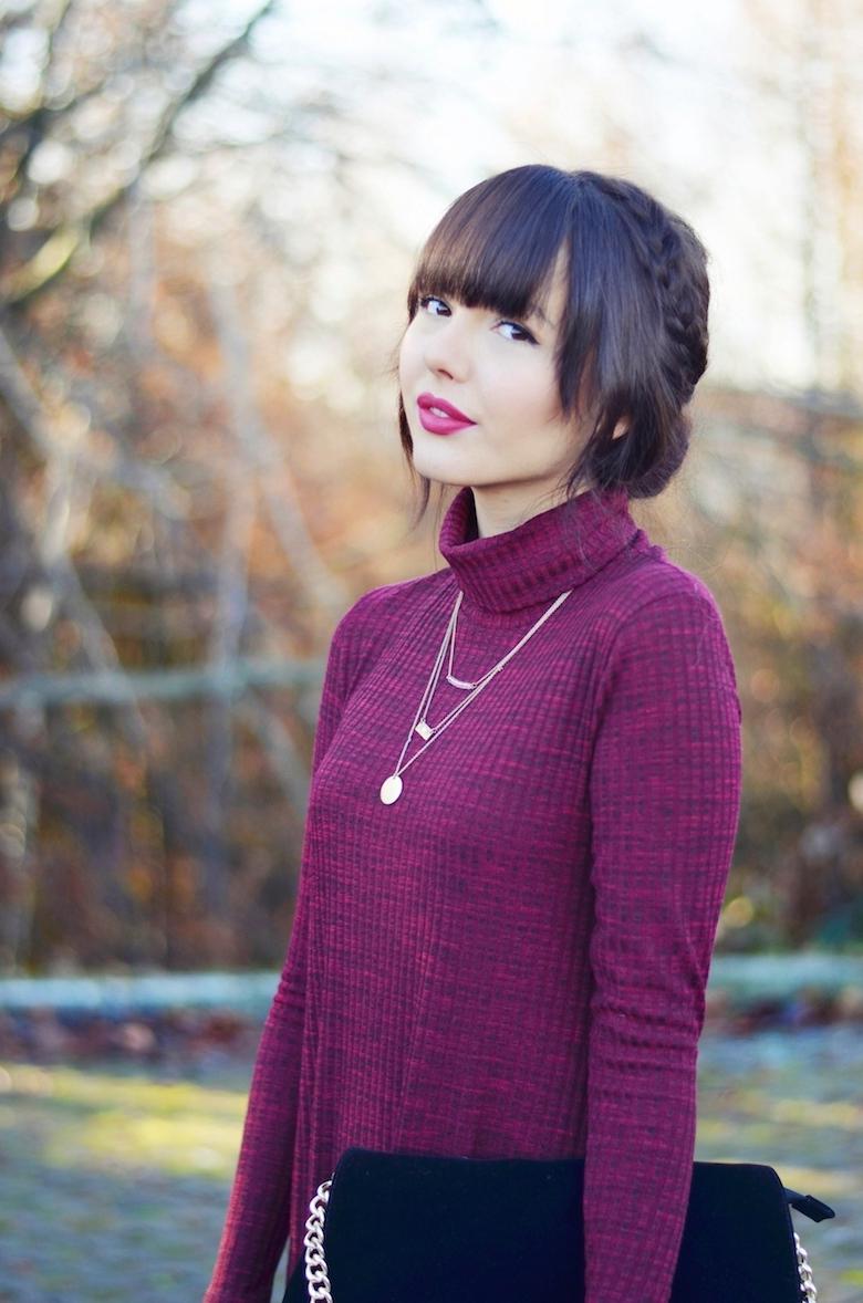 weihnachts_outfit_kleid_rollkragen_dunkelrot_elegant_kombinieren_ViktoriaSarina