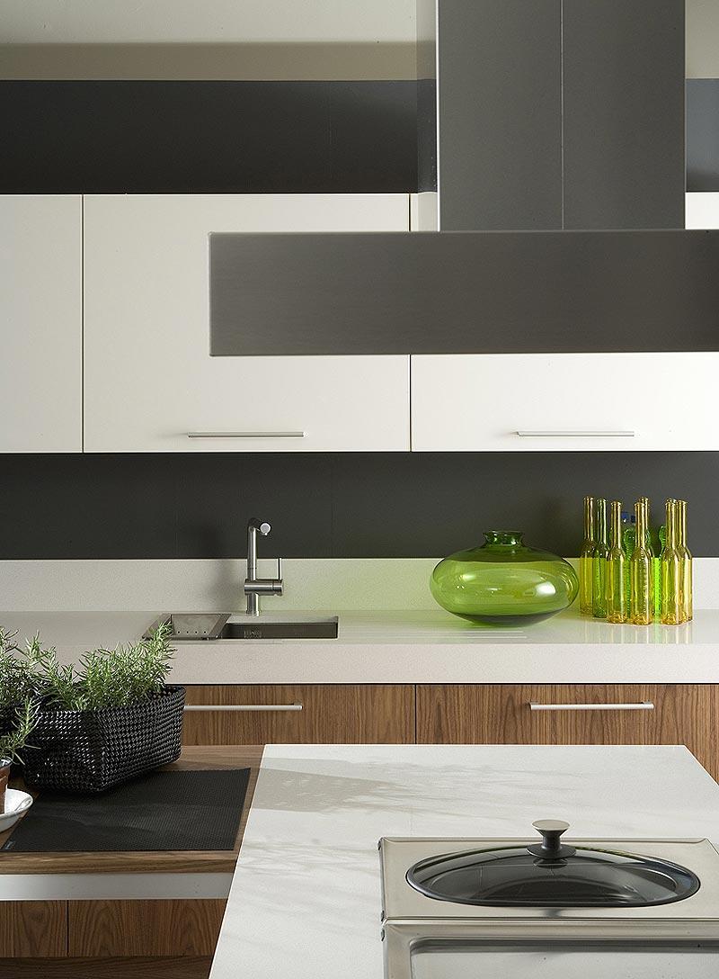 Interiores minimalistas el programa de cocina 5004 de for Acabados minimalistas interiores