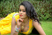 Item Girl Nisha hot photos-thumbnail-4