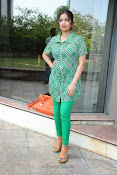 Swathi Glam photos in green-thumbnail-5