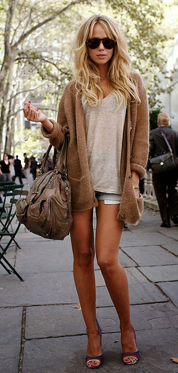 Elin kling street style with shorts, cardigan and heels