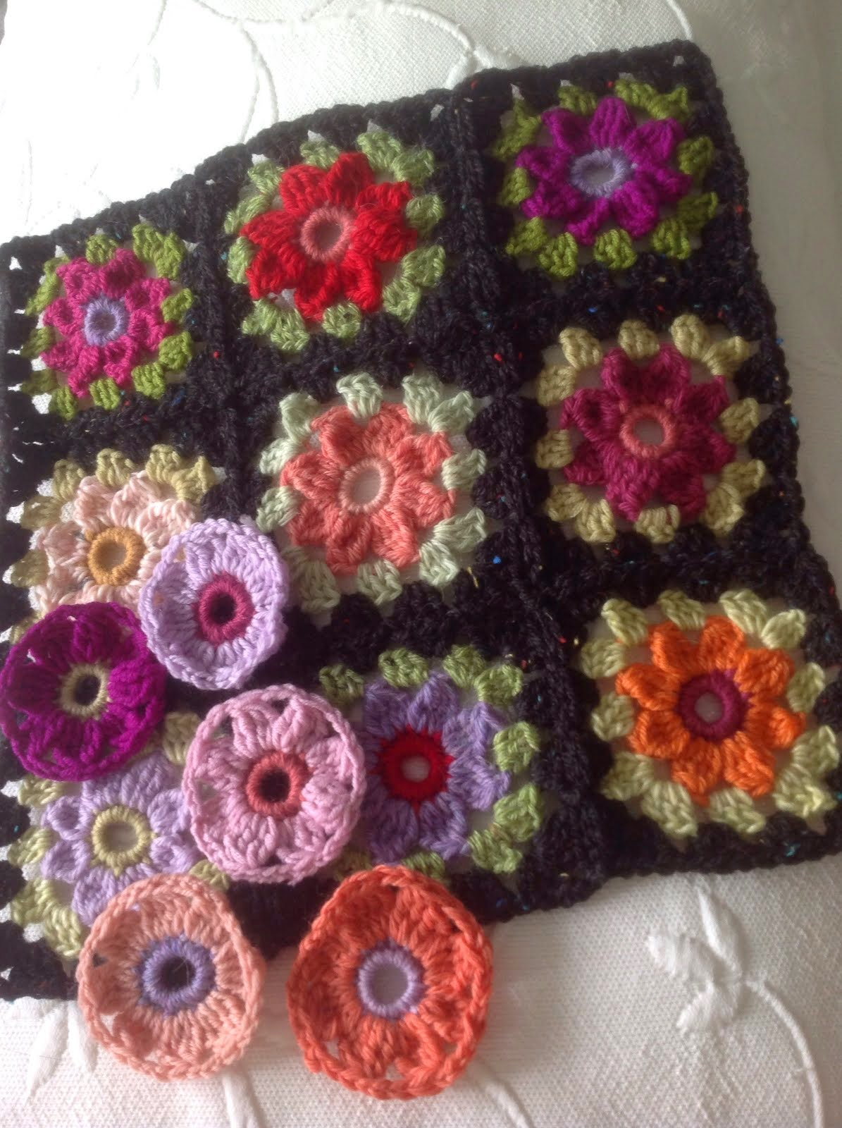 Daisty Granny Square wrap/throw