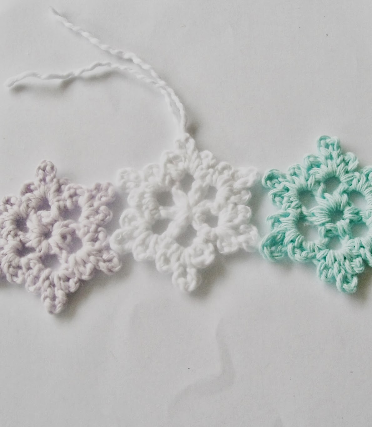 Crochet Snowflake Patterns Free Easy : Flower Girl Cottage : Easy Crochet Snowflake Pattern