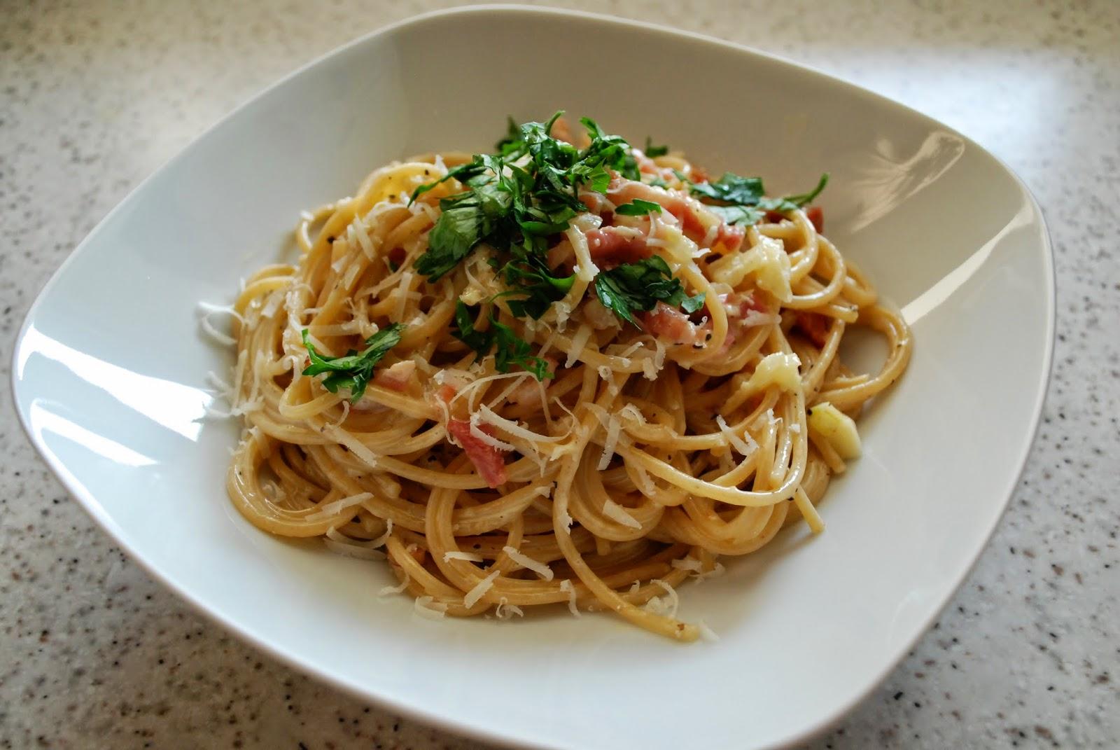 Spaghetti alla carbonara www.niebonajezykach.blogspot.com