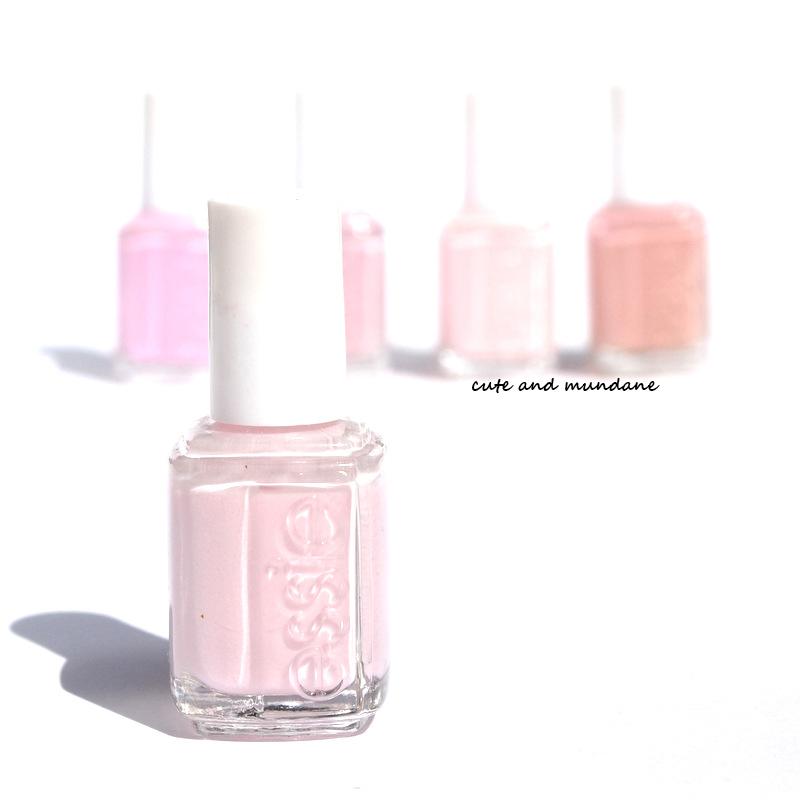 Cute And Mundane: Essie Minimalistic Nail Polish Review