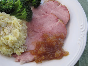 Slow-Cooker Ham with Brown Sugar and Pineapple