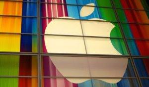 La diretta live del nuovo iPhone 5c e iPhone 5s presentati dal Ceo di Apple
