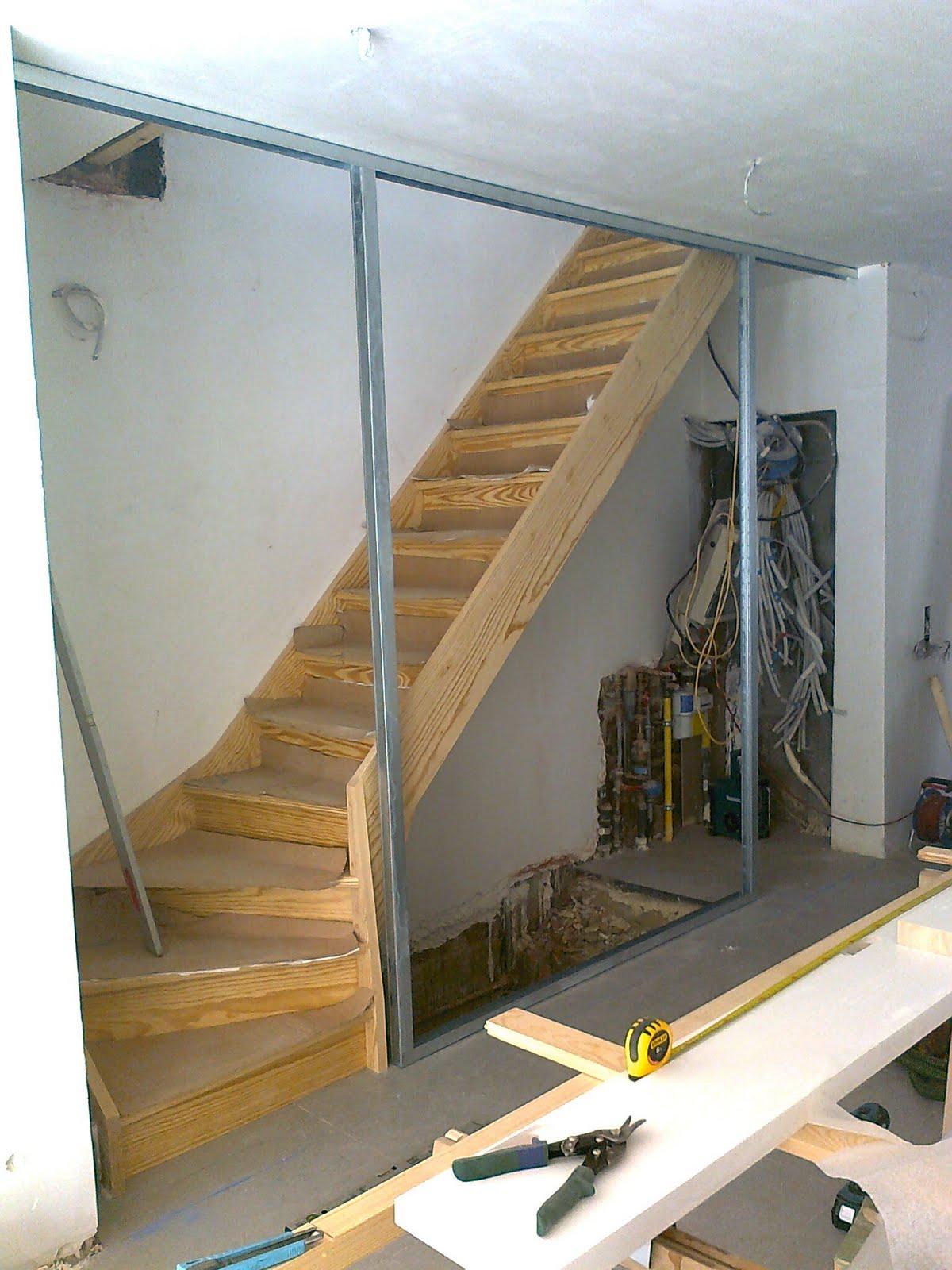 Lj woodworks escalier en yellow pine cloison gyproc - Porte coulissante dans cloison gyproc ...