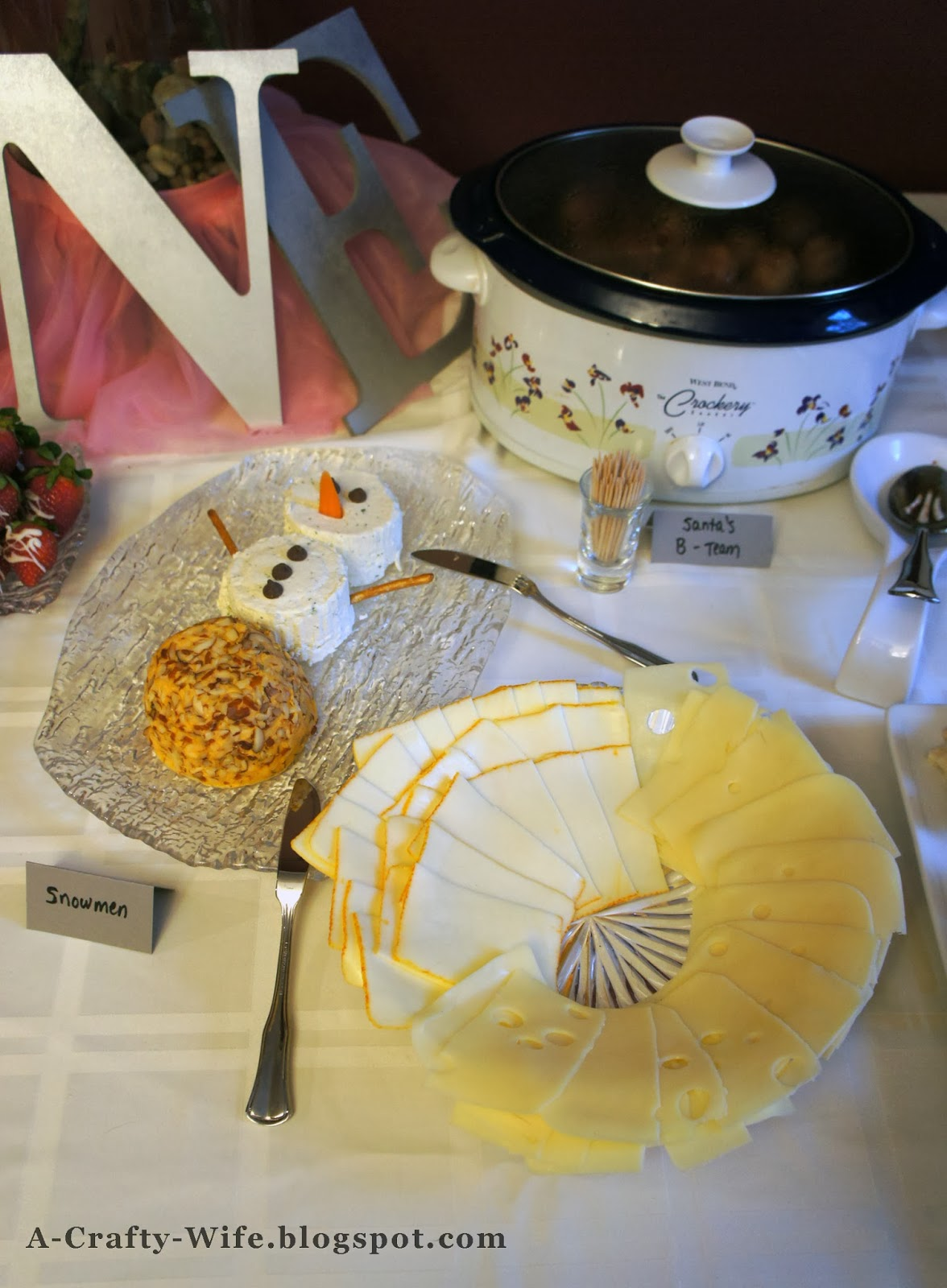 Winter ONEderland first birthday food - cheesy snowman, Santa's B team | A Crafty Wife