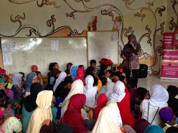 Ainy Fauziyah di sekolah alam dhuafa